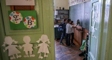 Ha életbe lép az új alaptanterv, a gyerekek kísérleti nyulak lesznek