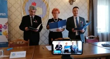 A PSZ szerint szükséges a közoktatási intézmények bezárása a koronavírus-járvány miatt Magyarországon