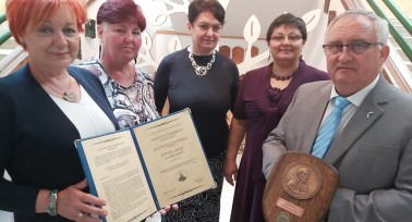 Eötvös József-emlékplakettet kapott a Külső-Pesti Tankerület is
