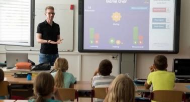 Egyre kevesebb a főállású pedagógus